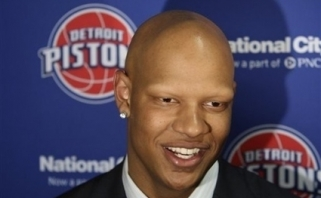 """Mavericks"" ir ""Bucks"" domisi Ch.Villanueva"