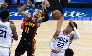 """Filadelfijoje netikėtai triumfavę """"Hawks"""" krepšininkai žengė į konferencijos finalą"""