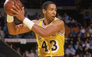 """M.Thompsonas: jei NBA sezono neatnaujins, čempionu turi būti paskelbtas """"Lakers"""""""