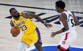 """""""Lakers"""" nepasipriešino """"Raptors"""", """"Clippers"""" įsūdė 25 tritaškius"""