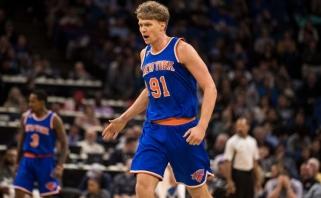 """M.Kuzminskas nuostabiai kovojo dėl kamuolių, K.Porzingis vedė """"Knicks"""" į pergalę"""