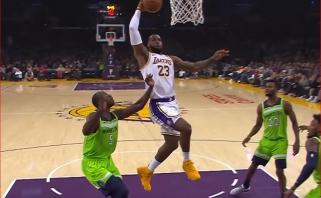 Fantastiški  B.Simmonso ir L.Jameso skrydžiai - NBA Top 10 viršūnėje