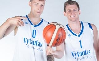 """Pergalės skonio dar nepajutęs """"Vytautas"""" atsisveikino su dviem užsieniečiais"""