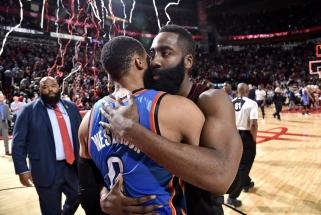 K.Bryantas: NBA neturi išeities - reikia skelbti du MVP