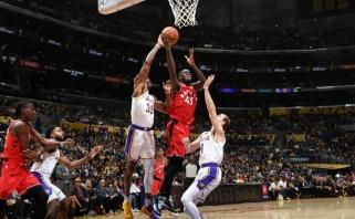 """Nukraujavę čempionai nutraukė """"Lakers"""" pergalių seriją (rezultatai, žaidė ir I.Brazdeikis)"""