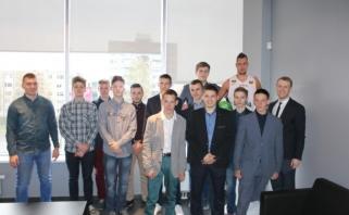 LKF būstinėje - jaunųjų entuziastų vizitas