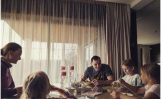 J.Mačiulis krizės akivaizdoje randa pozityvo: tokių progų niekur neskubėti su šeima turime retai