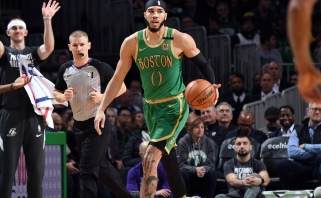 """Celtics"" ketina J.Tatumui siūlyti maksimalų kontraktą"