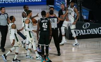 """Giannis paguldytas ant menčių: NBA lyderiai nusileido """"Nets"""" (incidento video)"""