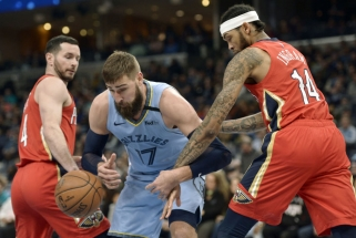 """Per žingsnį nuo klubo rekordo likę """"Grizzlies"""" ir J.Valančiūnas pripažino """"Pelicans"""" pranašumą"""