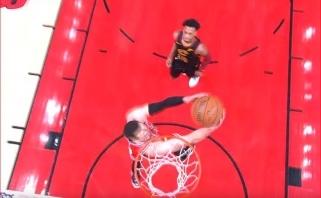Oro karaliaus Z.LaVine'o dėjimas per nugarą - gražiausias NBA nakties epizodas