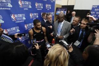 Aikštingoji žvaigždė K.Irvingas visą sezoną nebendraus su žiniasklaida