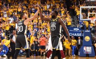 """Rekordinė stebuklus išdarinėjusio Curry tritaškių serija paskandino """"Cavaliers"""""""