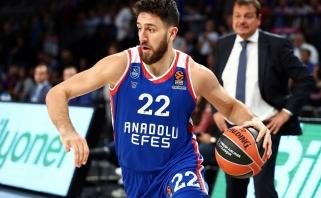 """""""Anadolu Efes"""" laimėjo ir be lyderio, V.Micičius puikiai skirstė kamuolius"""