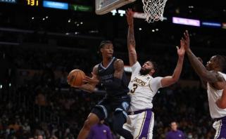 """40 Moranto taškų neišgelbėjo """"grizlių"""" – """"Lakers"""" šventė pirmą pergalę (rezultatai)"""