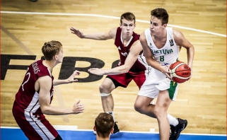 Lietuviai Europos čempionatą baigė sutriuškinadami latvius