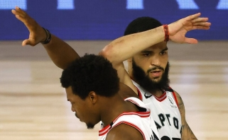 """NBA čempionai panaikino dviženklį deficitą ir antrąkart pasvilino Bruklino """"Tinklelius"""""""