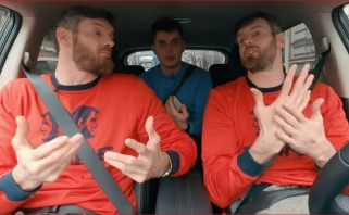 Broliai Lavrinovičiai – apie vis dar vežantį krepšinį, Mačiulį ir brangiausius karjeros trofėjus