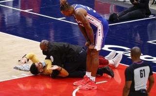 Į arenas sugrįžę NBA sirgaliai pamiršo elgesio taisykles – tenka vyti lauk vieną po kito