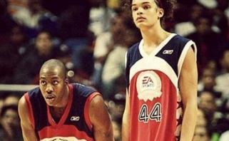 "ESPN žurnalistas netiki, kad ""Lakers"" pasirašys kontraktą su D.Howardu ar J.Noah"