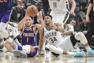 """Įspūdingai užsiautęs Giannis ir """"Suns"""" lyderis – NBA savaitės MVP"""