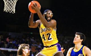 """""""Lakers"""" legenda Worthy: klube daug pretenduojančių tapti rūbinės lyderiu, bet jie susitvarkys"""