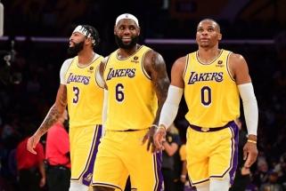 """Visos žvaigždės neištempė: """"Lakers"""" pralaimėjo penktas rungtynes iš eilės"""