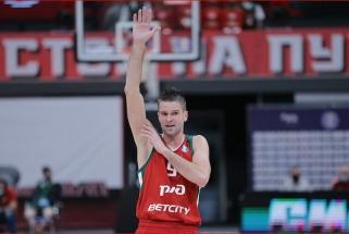"""Puikią formą demonstruojantys Kalnietis ir Kuzminskas atvedė """"Lokomotiv"""" į dar vieną pergalę"""