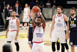 """Eurolygos čempionai neturėjo vargo ir antrajame finalo mače prieš """"Fenerbahče"""""""