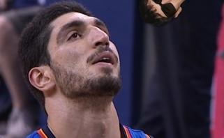 NBA žaidėjų profsąjunga palaiko pasipiktinusį E.Kanterį