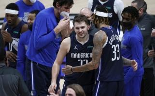 Pergalingi Dončičiaus šūvis ir Stevenso dėjimas – įspūdingiausi NBA momentai