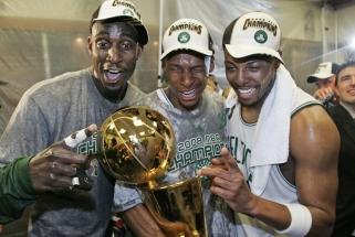 Pierce'as: dabar visi dirbtinai kuria komandas, mūsų trio susidarė savaime