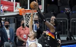 """Trileryje Finikse – sugurinta Bookerio nosis ir """"Suns"""" pergalė paskutinę sekundę"""