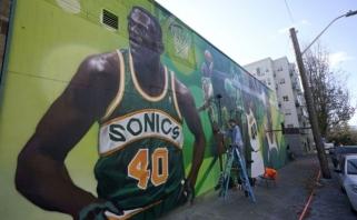 Buvusi NBA žvaigždė Sh.Kempas: žinoma, kad 90-aisiais patraukdavome žolytės