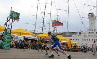 Jūros šventei - jaunųjų krepšininkų kovos, jiems - pajūrio pokštai