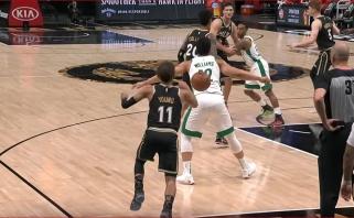 Nuo varžovo nugaros kamuolį išsimetęs Youngas – NBA momentų dešimtuke