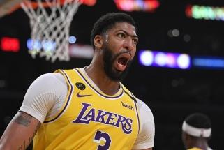 A.Davisas turi apsispręsti dėl opcijos iki spalio 14 d., kelios NBA žvaigždės - iki panašaus laiko