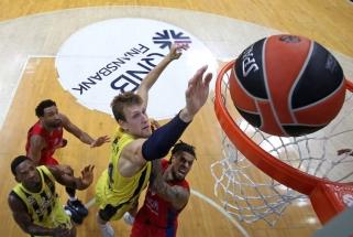 """Gomelskis įvardijo CSKA – """"Fenerbahče"""" serijos nugalėtoją bei mėgstamiausią armiečių žaidėją"""