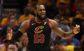"""""""Cavaliers"""" sugrąžino intrigą: L.Jamesas&co nušlavė beviltiškai atrodžiusius """"Celtics"""""""