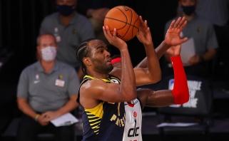 """""""Pacers"""" laimėjo be traumuoto D.Sabonio, """"grizlius"""" džiugina """"Spurs"""" nesėkmė"""