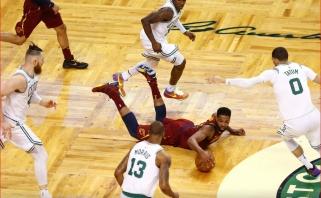 """Pirmame konferencijos finalo mače """"Celtics"""" sensacingai lengvai sutriuškino """"Cavs"""""""