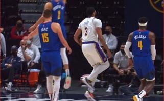 """""""Lakers"""" žvaigždė Davisas pasunkino Achilo sausgyslės traumą"""