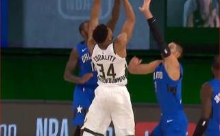 """Fantastiškas """"Greek Freak"""" dėjimas - gražiausias NBA momentas"""