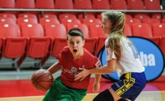 Krepšinio visuomenės diskusija: ar mergaitės gali žaisti kartu su berniukais