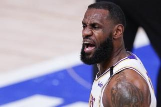 """Susinervino: MVP rinkimuose sutriuškintas LeBronas rėžė viską; pasisakė ir """"Lakers"""" treneris"""