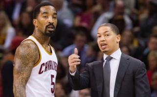 """""""Cavaliers"""" kol kas nepavyksta susitarti su vyriausiuoju treneriu ir J.R.Smithu"""