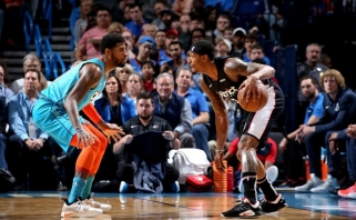 """NBA naktis: traumų išretinti """"Wizards"""" įrašė """"Thunder"""" skaudžiausią sezono pralaimėjimą"""