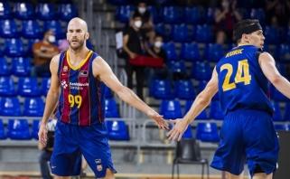 """Po pertraukos tiesiog sužvėrėjusi """"Barcelona"""" efektingai priartėjo prie finalo"""