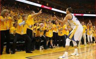 """""""Warriors"""" žvaigždė S.Curry: noriu žaisti iki 40-ies, jau aptarinėjome kontrakto pratęsimą"""