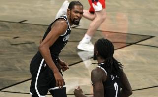 """NBA: Brazdeikio ir Sirvydžio akistata neįvyko, pagaliau grįžo Durantas, """"Lakers"""" vėl nulūdino """"Clippers"""""""
